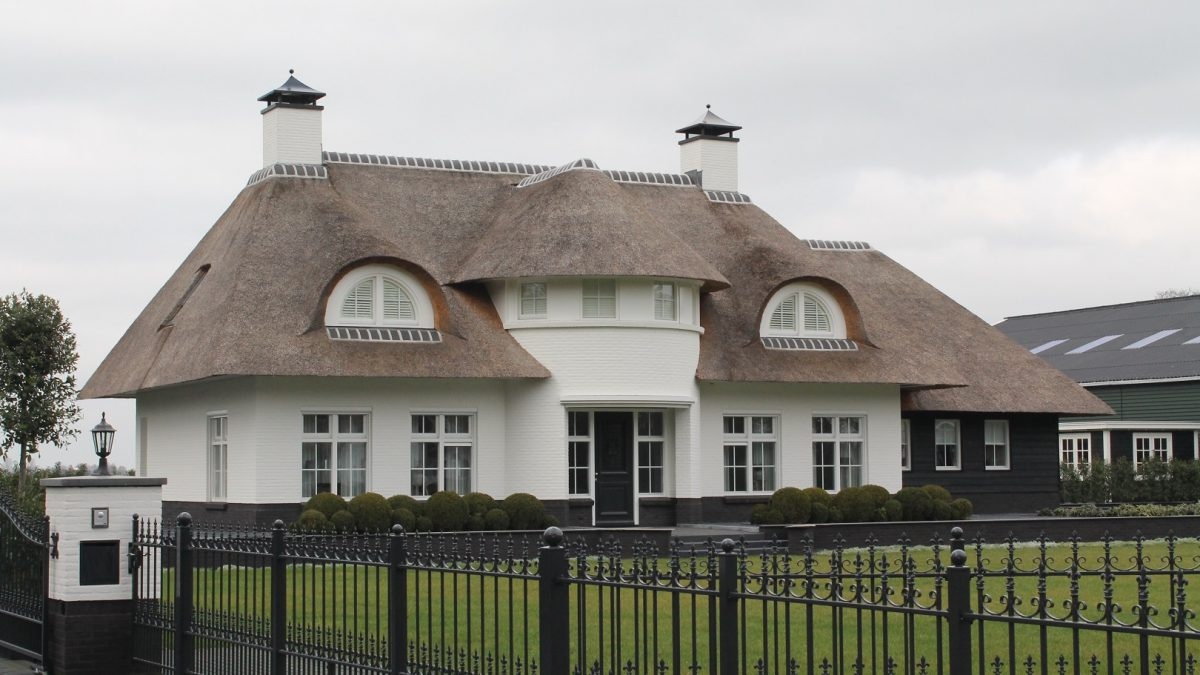 Witte villa Oldebroek