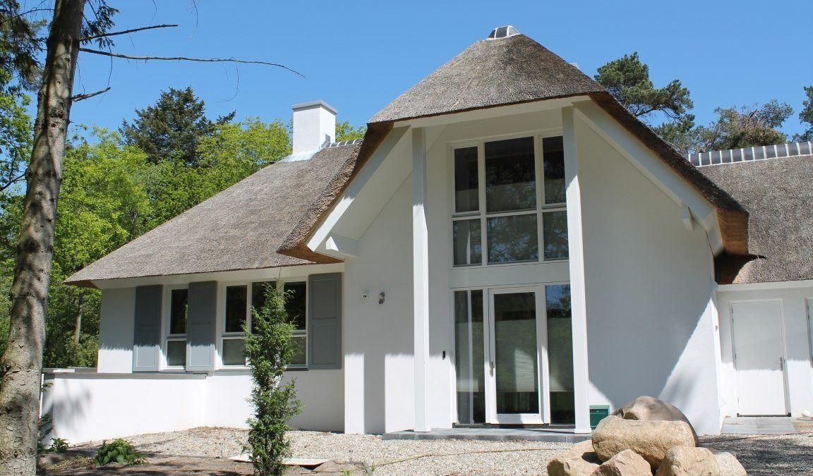 Wit gestucte villa Doornspijk
