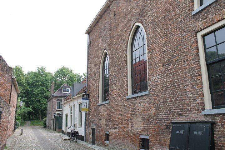 Kijk op museum De Sjoel Elburg