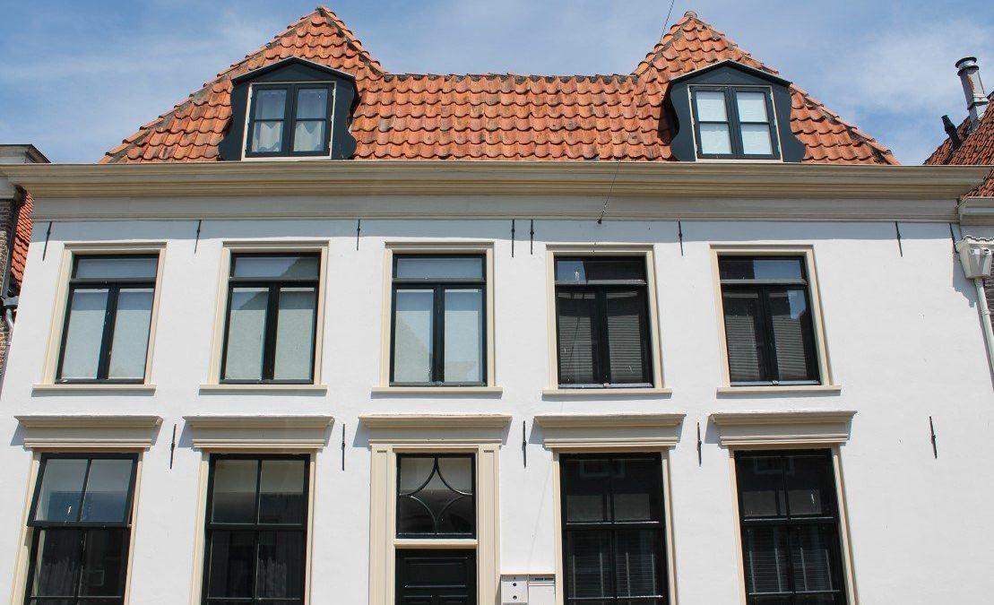 Vijf witte appartementen Elburg
